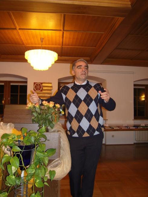 """Vortrag von Neval Cumart """" Islam und Christentum"""""""