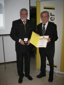 Lothar Stockert (li); Heinz Kälberer(Landesvorsitzender Freie Wähler Baden-Württemberg)
